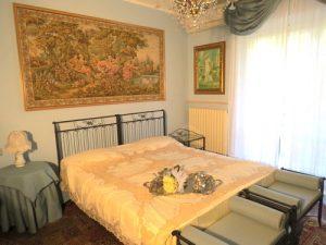 """Elisabeth romantic room for bride and groom"