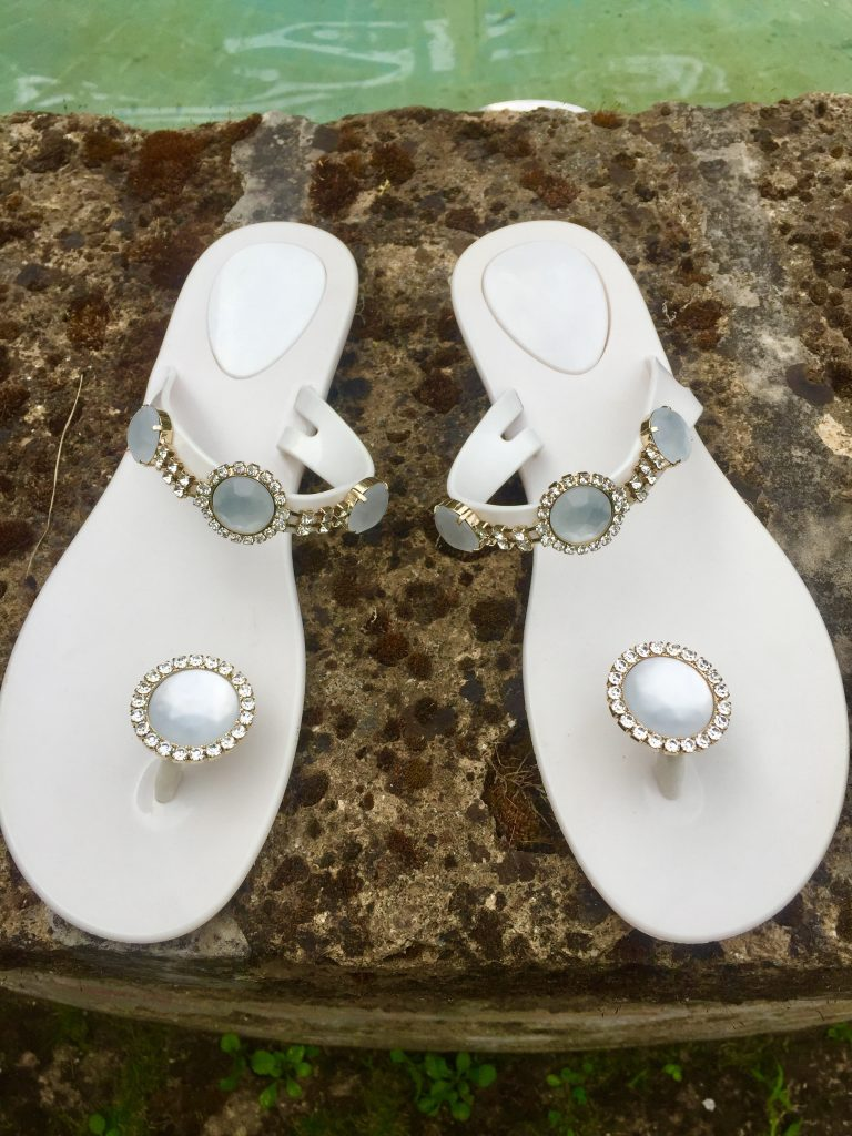 Wedding luxury flip flop www.thebridebyalexis.it